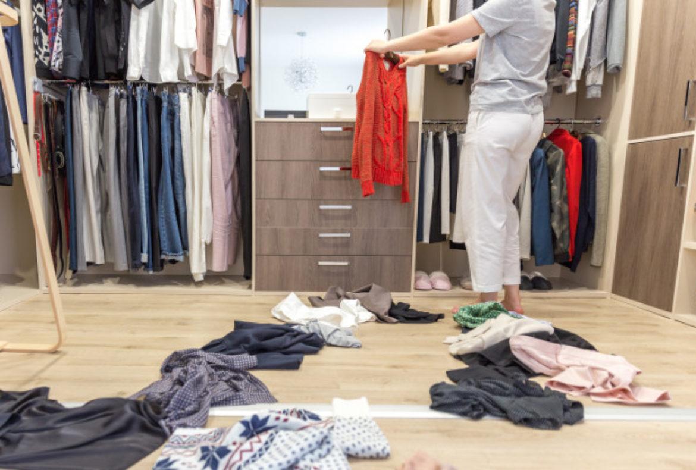 Como guardar la ropa en una mudanza